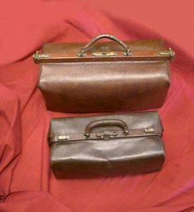 Brown gladstone Bags