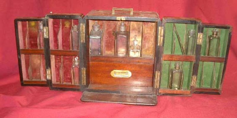 Double Front Opening Medicine Chest